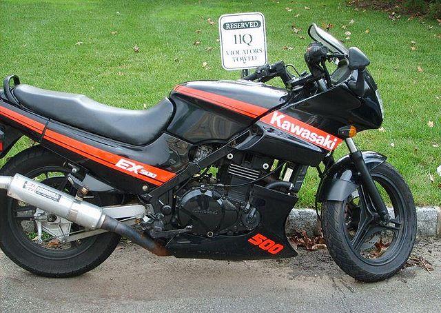 Index of /images/thumb/0/02/1989-Kawasaki-EX500-A3-BlackRed-0.jpg