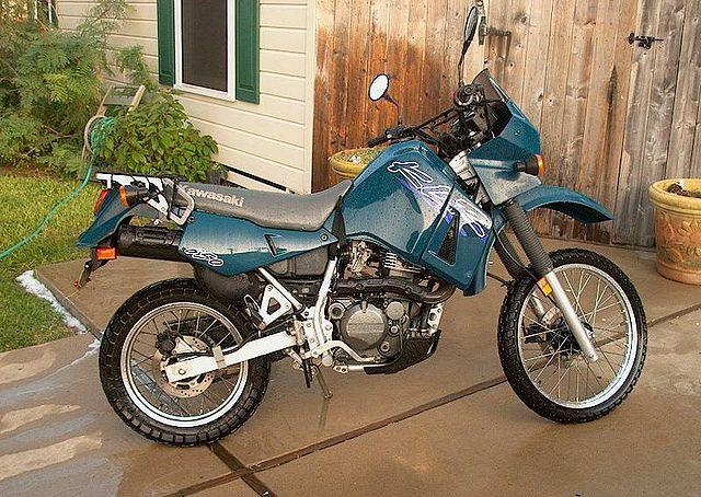 Index of /images/thumb/0/0a/1998-Kawasaki-KLR650-Blue-1293-0.jpg