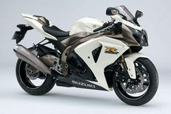 Suzuki-Gsxr1000-25th-an-10.jpg