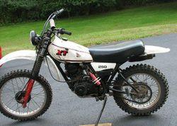 Marvelous Yamaha Xt250 Review History Specs Cyclechaos Camellatalisay Diy Chair Ideas Camellatalisaycom