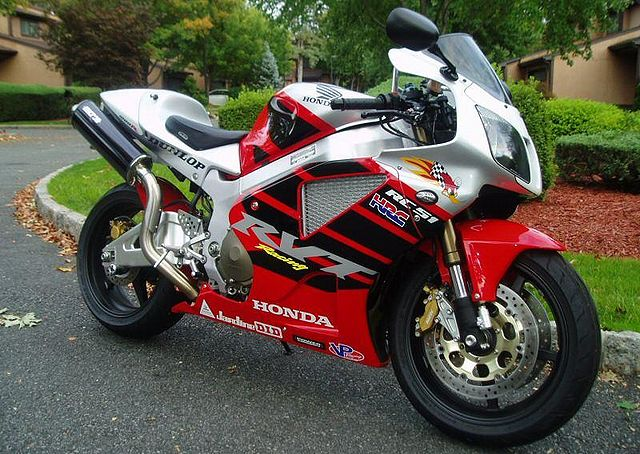 File:2004-Honda-RVT1000R-Red-2.jpg