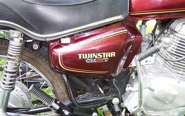 Index of /images/thumb/3/39/1980-Honda-CM200T-Twinstar-Candy-Presto