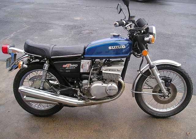 index of images thumb 4 4a 1977 suzuki gt380 blue 1707. Black Bedroom Furniture Sets. Home Design Ideas