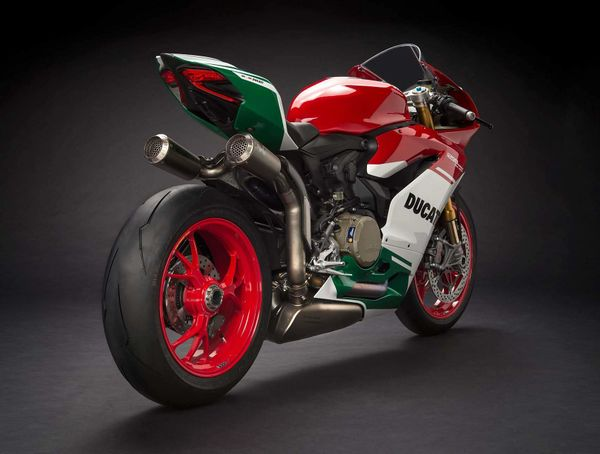 Ducati Panigale 1299R Final Edition
