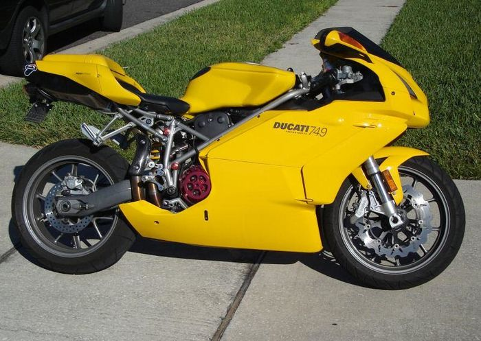index of images thumb 5 5f 2004 ducati 749 yellow 2314 0 jpg