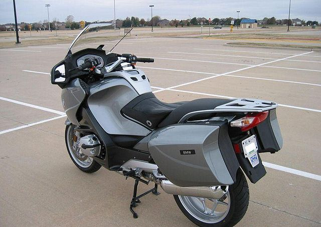 Index of /images/thumb/7/72/2005-BMW-R1200RT-Gray-9274-4.jpg