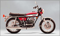 1973 Yamaha RD350 in red.jpg