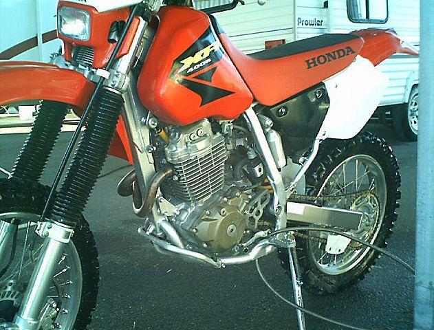 honda 400 xr. 631px-2003-Honda-XR400-Red