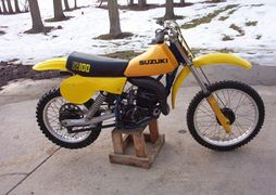 Admirable Suzuki Rm100 History Specs Pictures Cyclechaos Pdpeps Interior Chair Design Pdpepsorg