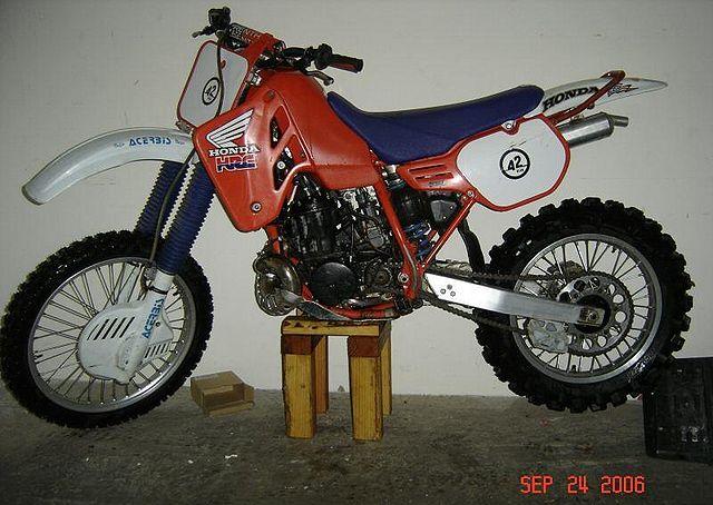 CR500 1985 http://www.cyclechaos.com/images/thumb/a/af/1985-Honda