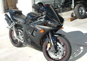 2005 Yamaha YZF R6 Raven Edition