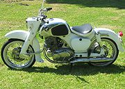 honda c cyclechaos 1962 honda ca77 early in white
