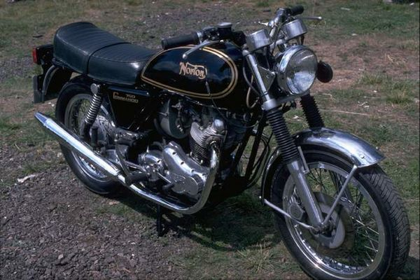 1972 - 1975 Norton Commando 750 Interstate