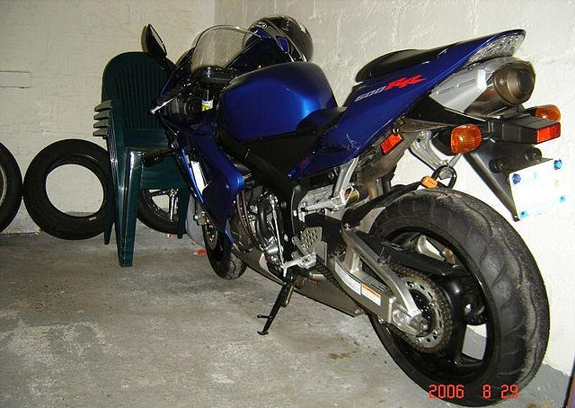 Index Of Images Thumb C Cd 2004 Honda Cbr600rr Blue 1 Jpg