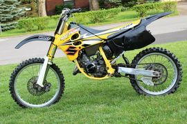 Suzuki RM125: history, specs, pictures - CycleChaos