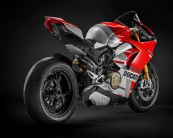 Ducati-Panigale-V4S-Course-3.jpg