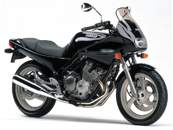 Yamaha DT125: review, history, specs - CycleChaos